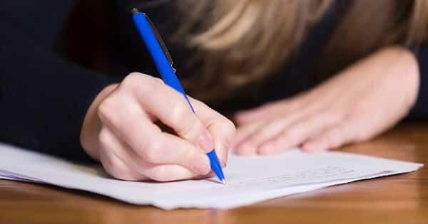 10 خطوات لكتابة موضوع تعبير باللغة العربية