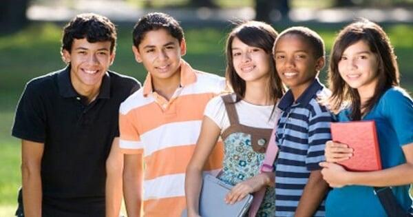 موضوع تعبير عن دور الشباب في المجتمع