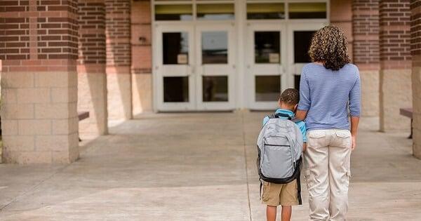 اذاعة كاملة عن الانضباط المدرسي وعدم الغياب
