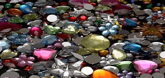 الأحجار الكريمة وتأثيرها الإيجابي على الإنسان