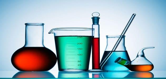 مراحل تطور علم الكيمياء عبر التاريخ
