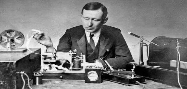 بحث مختصر عن مخترع الراديو