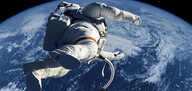 اول رائد فضاء في العالم