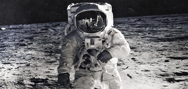 استكشاف الفضاء والهبوط على سطح القمر