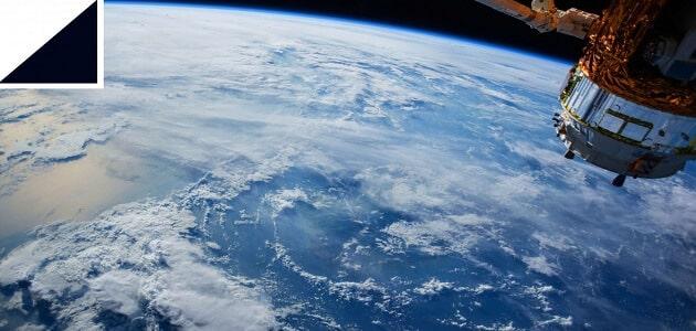 تكنولوجيا الفضاء واثارها الايجابيه و السلبيه علي البيئه