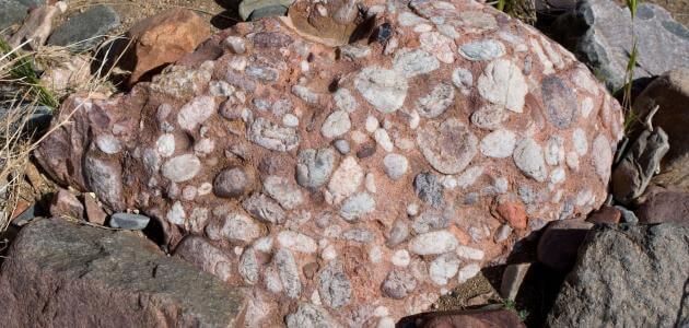 انواع الصخور الرسوبية وخصائصها