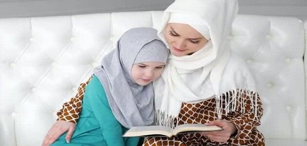 حوار بين الأم وابنتها عن الحجاب